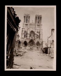 View of the Reims Cathedral and rubble