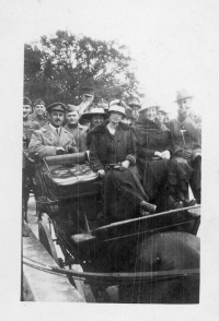 Visitors in horse-drawn carriage